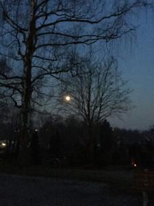 Ostersonntag Mondschein